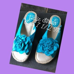 Life Stride turquoise silk wedged sandal New